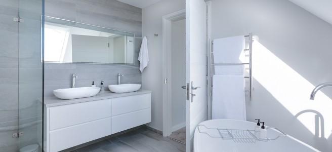 minimalist bathroom white